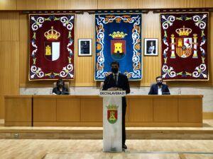 """Serrano: """"En dos años de gobierno el PSOE ha instalado 12 azulejos cerámicos frente a los 27.000 del PP"""""""