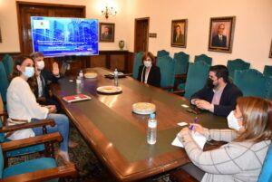 """La alcaldesa pone de manifiesto la consolidación del modelo de la Talavera tecnológica en la que por """"cuestiones de localización y oportunidad"""" ha apostado 'Aire Networks'"""