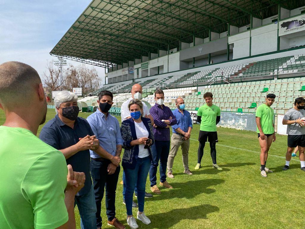Zocodover, el Ayuntamiento, el baño de la Cava y el Torreón de Alcántara se iluminarán de verde para apoyar al CD Toledo