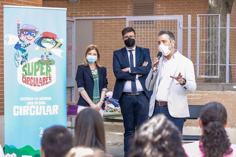 El Gobierno de Castilla-La Mancha entrega el premio 'Supercirculares 2021' al Colegio Público 'Gregorio Marañón' de Toledo con su trabajo 'Jardin vertical en el aula'