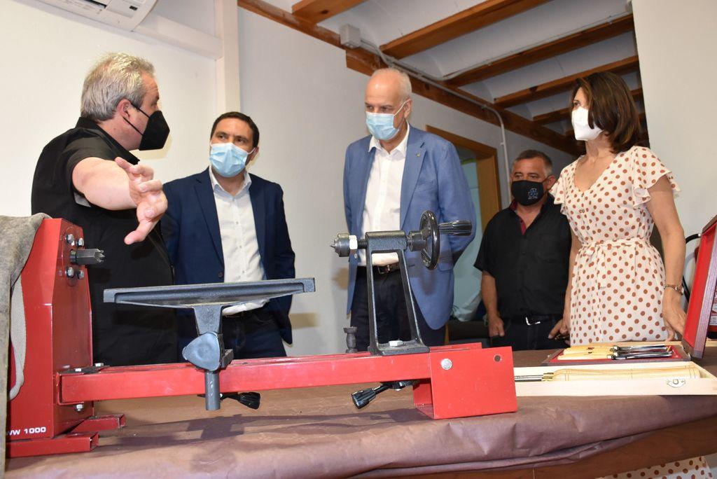 Martínez Chana inaugura el primer Centro de Oficios Artesanos de Castilla-La Mancha que está ubicado en la Casa del Curato