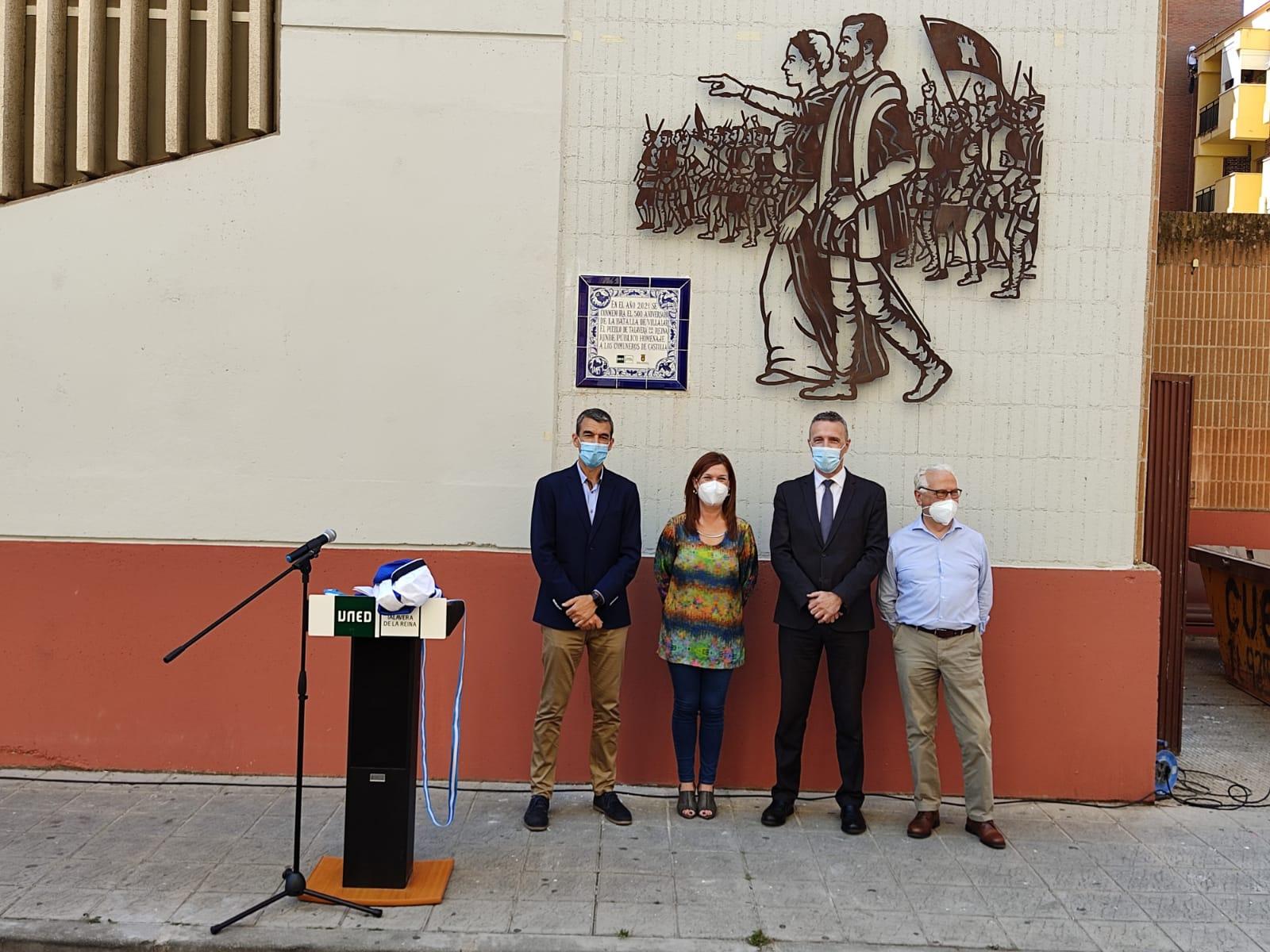 María Jesús Pérez descubre un mural y placa conmemorativa en Talavera de la Reina en homenaje a los comuneros de Castilla