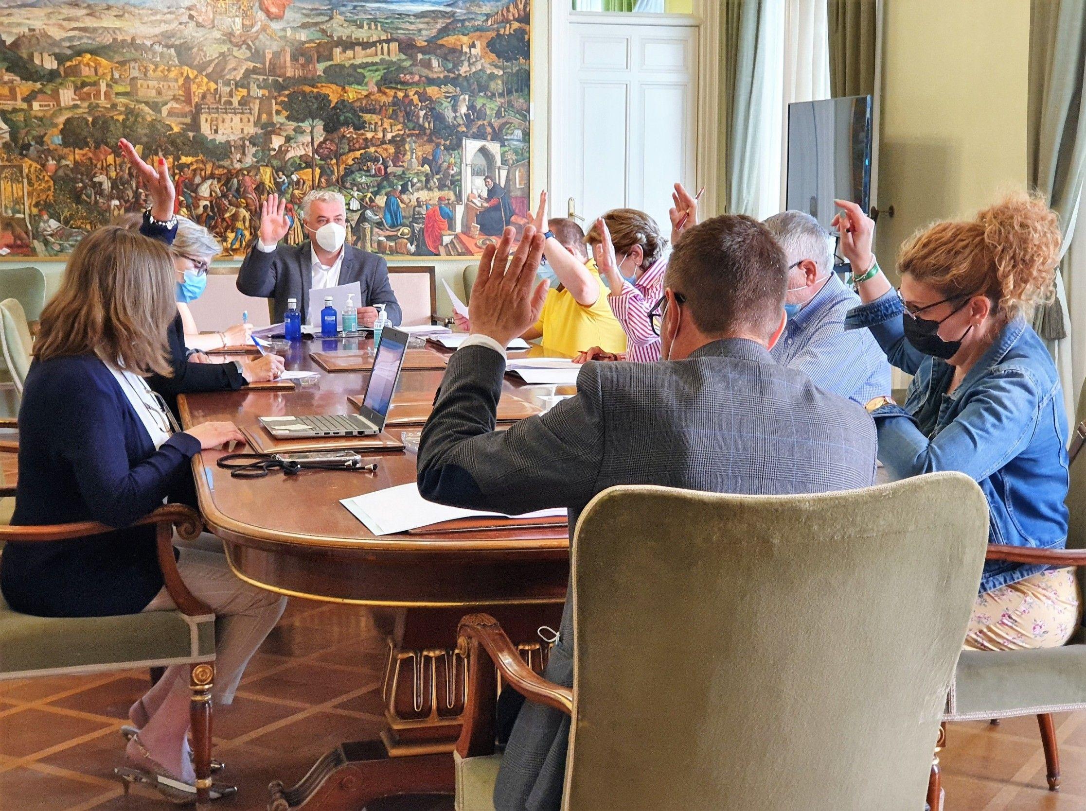 La Diputación ayuda con 200.000 € a restaurar obras de arte en diez templos y edificios de la Diócesis
