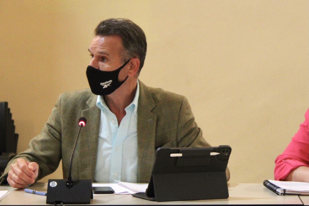 Gamarra denuncia que los toledanos vayan a tener que pagar 76.000 euros al año para dos nuevos asesores de Tolón