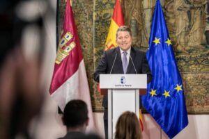 """García-Page ensalza el Plan Corresponsables, que podría crear 2.000 oportunidades laborales y favorecerá la """"concordia y convivencia familiar"""""""