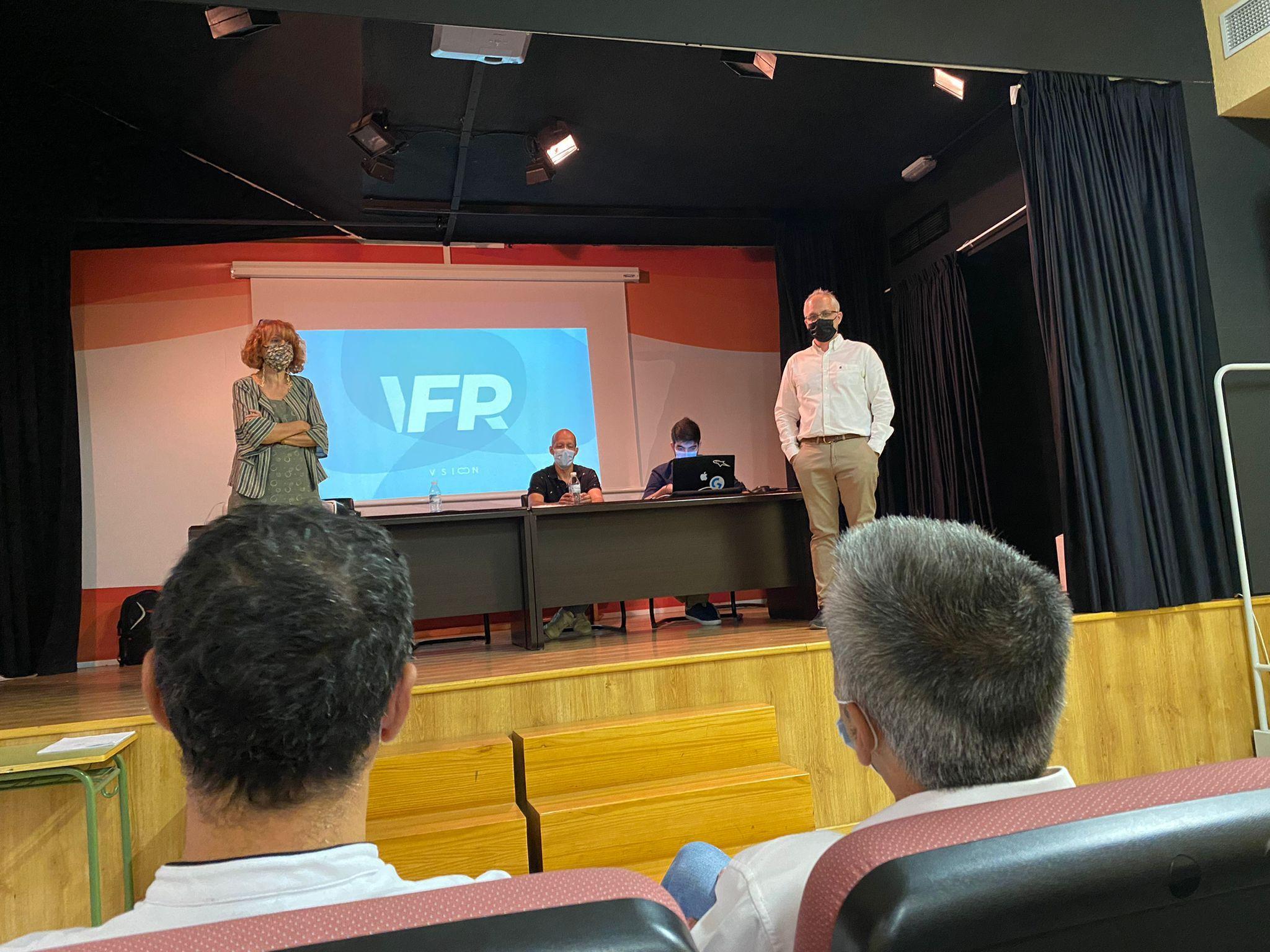 El Gobierno regional forma a docentes de 20 centros educativos de FP en el uso de simuladores de realidad virtual