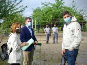 El Ayuntamiento de Guadalajara instala equipamiento deportivo en el parque de la Olmeda para practicar calistenia