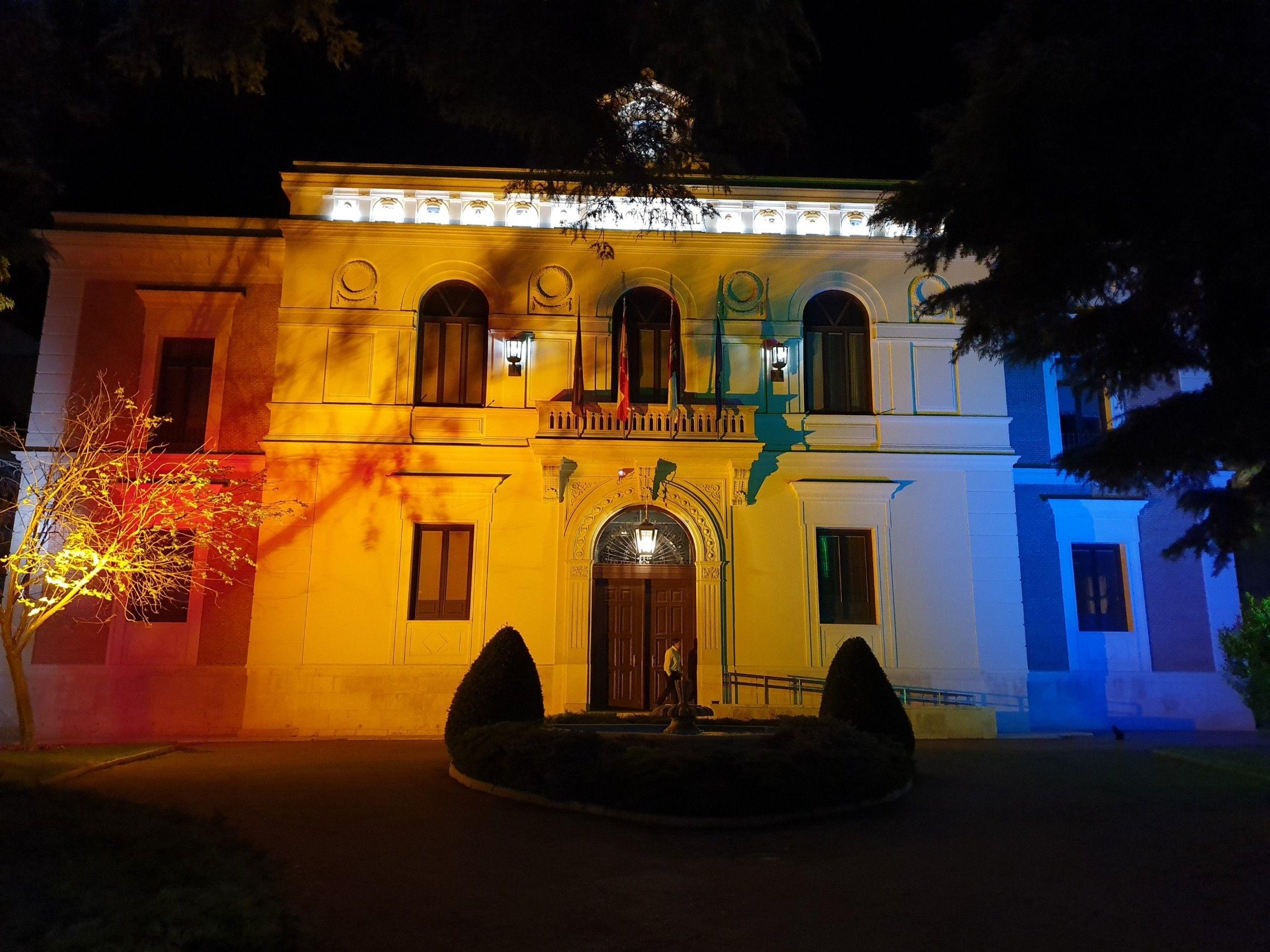 La Diputación ilumina su fachada con los colores arcoíris del Orgullo LGTBI a partir de esta noche