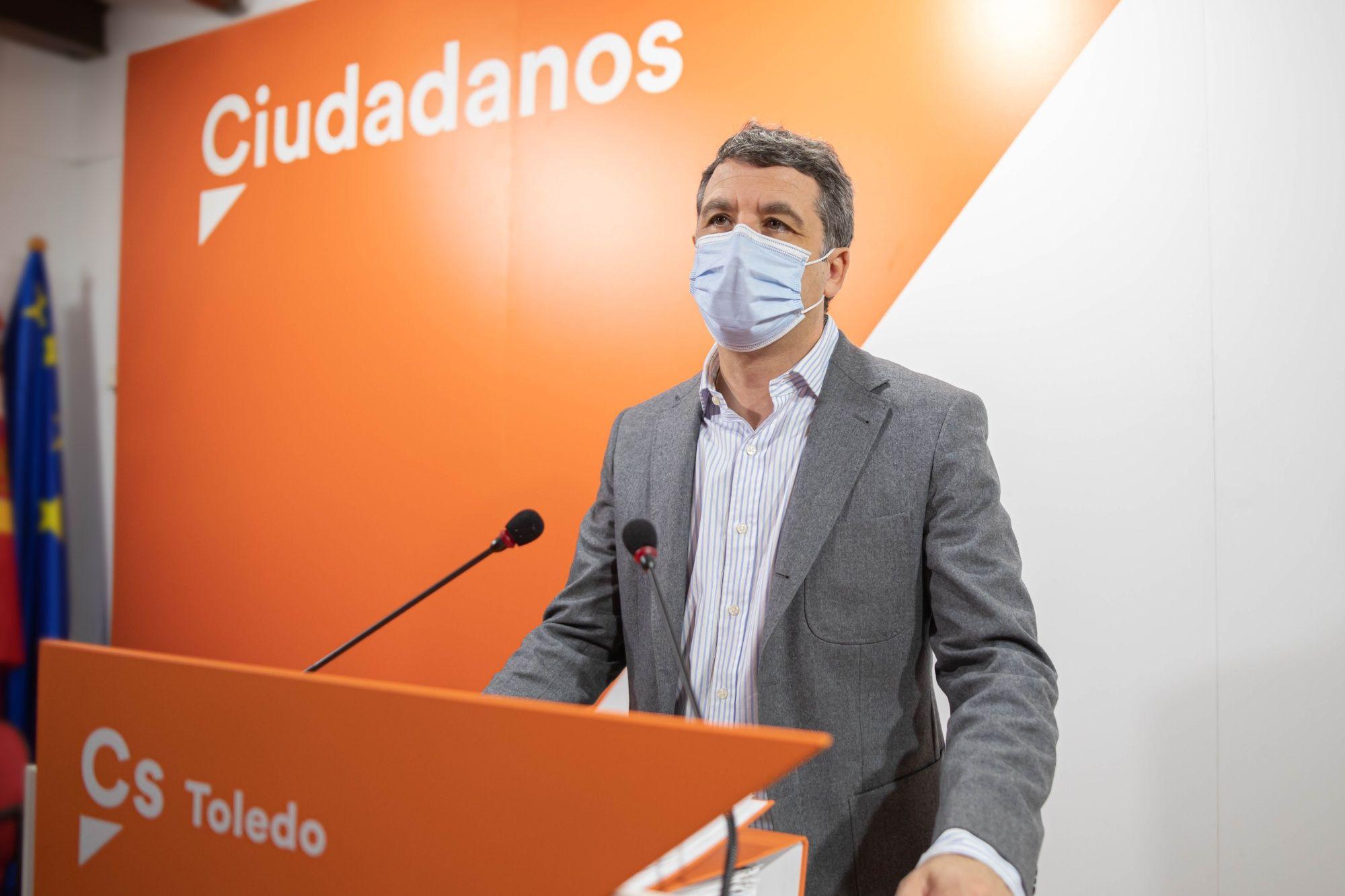 Paños (Cs) detecta pocas mejoras en el nuevo contrato de basura y pide a Tolón un cambio de 180 grados en materia de residuos incluyendo economía circular y fiscalidad