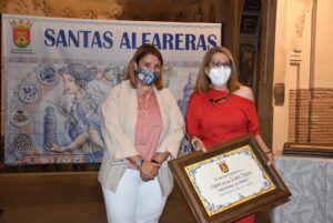 La alcaldesa de Talavera confía en el futuro de la cerámica apostando por la formación para garantizar el relevo generacional