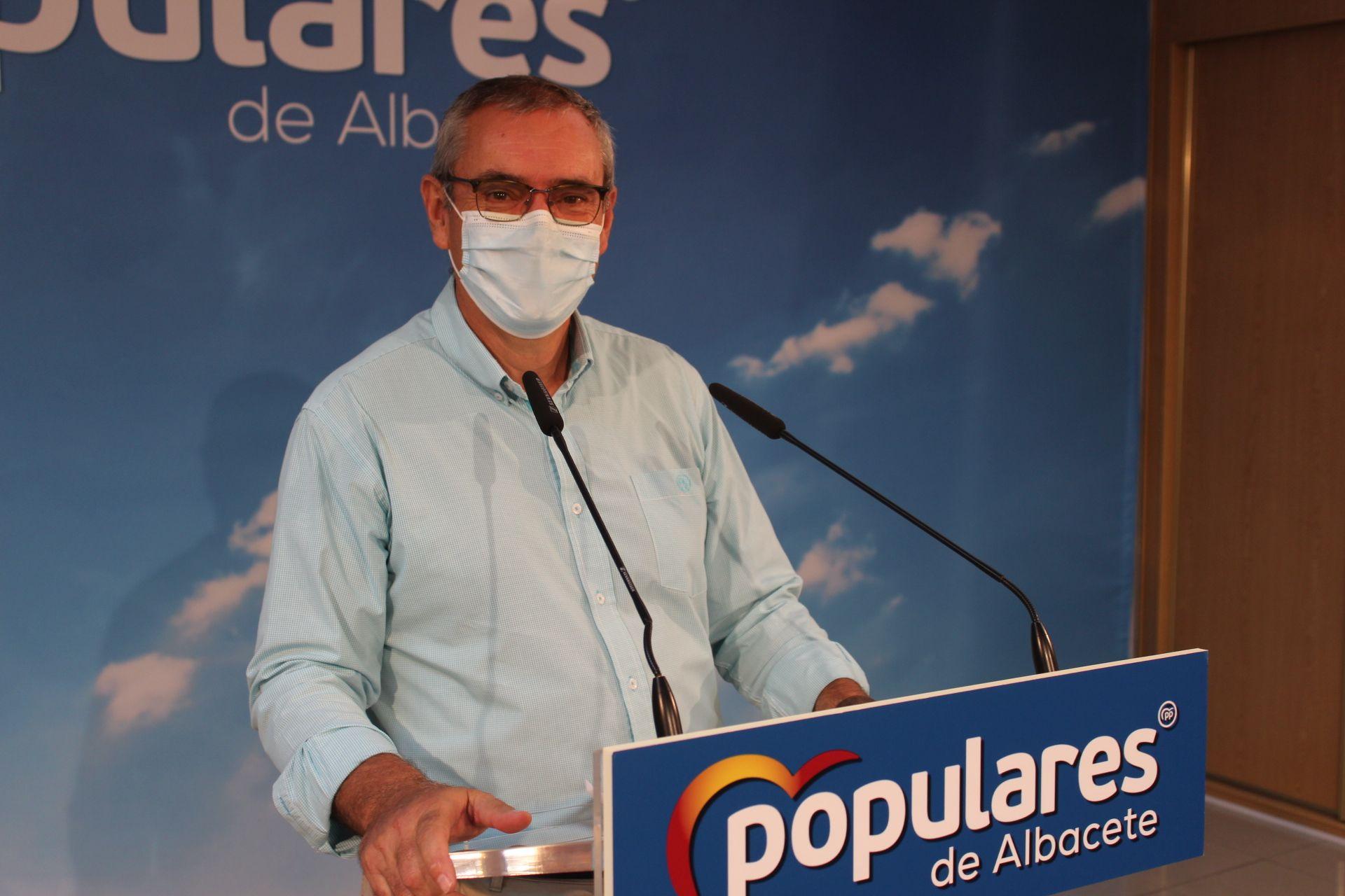 Aroca pide a García-Page explicaciones por las subvenciones concedidas a la empresa del actual director general de la Policía Nacional, Francisco Pardo