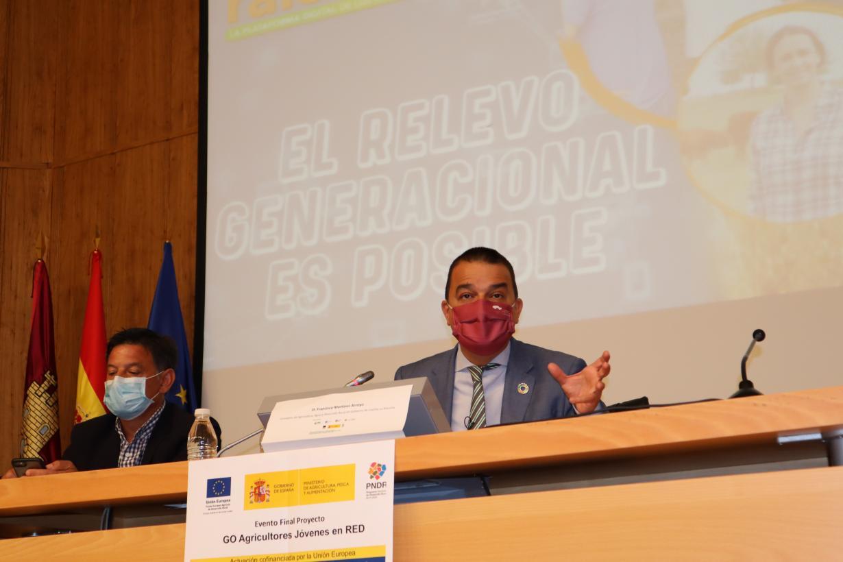 """Castilla-La Mancha sitúa a los jóvenes agricultores y ganaderos como """"pieza clave"""" de la nueva PAC y trabajará para que sean objetivo prioritario en el acuerdo nacional"""