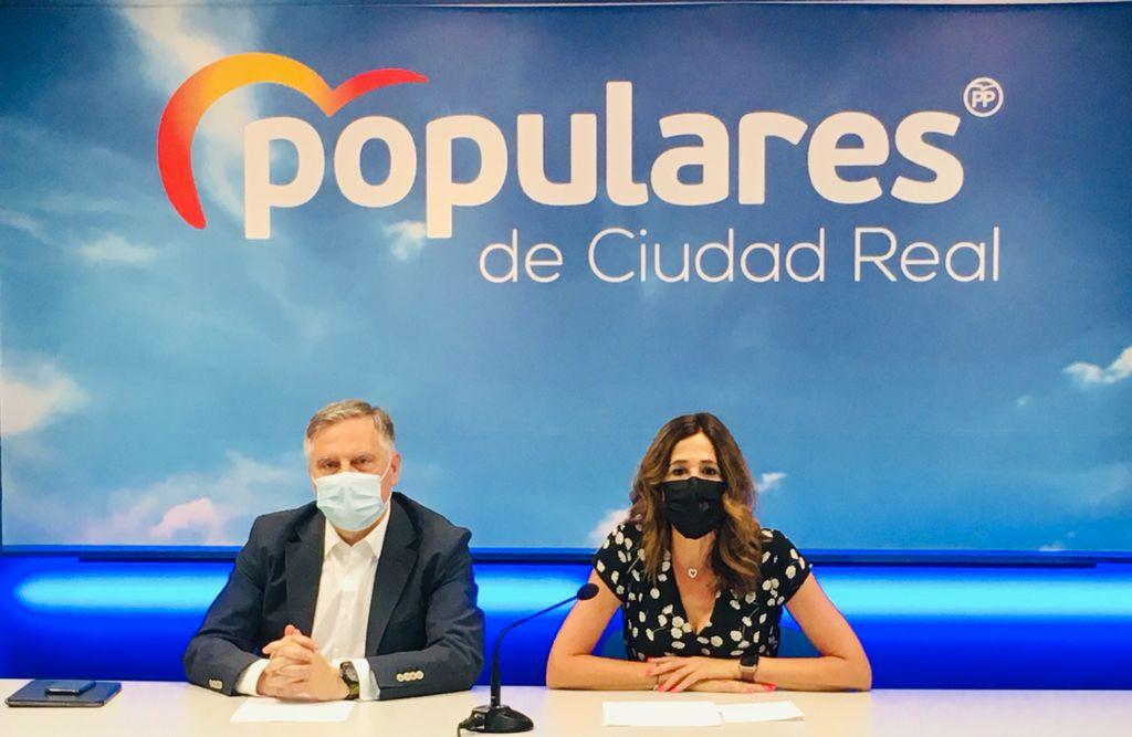 Romero y Cañizares aseguran que Pedro Sánchez es pasado y Pablo Casado es el futuro y el presidente que necesita España