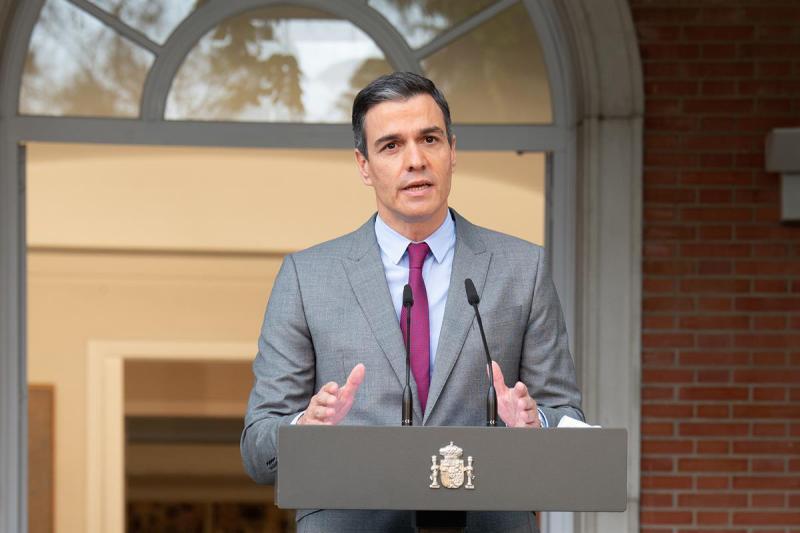 Sánchez remodela en profundidad el Gobierno y su equipo