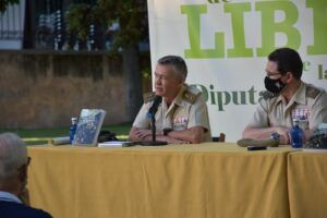 La Diputación de Cuenca inaugura la Semana de los Libros con la entrega de premios y hablando de historia militar conquense