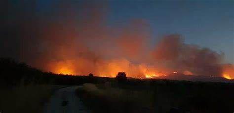 Los efectivos de la UME desplazados a Liétor (Albacete) se repliegan ante la positiva evolución del incendio