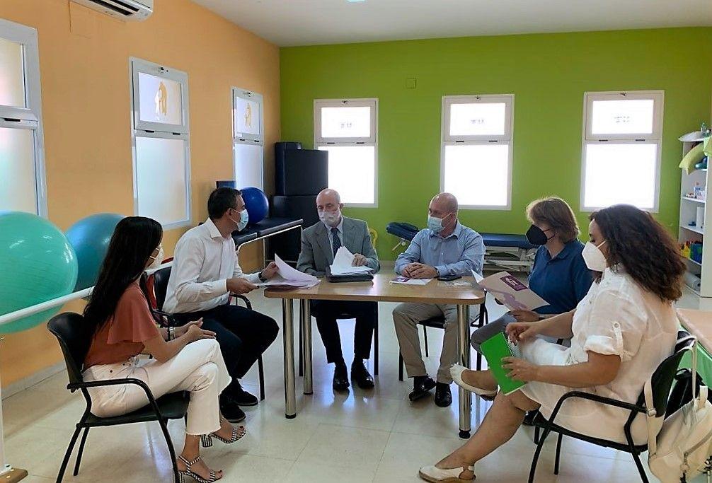 """El Gobierno de Castilla-La Mancha, dispuesto a apoyar nuevos proyectos de inserción laboralde la asociación """"A tu lado"""" de Villarrubia de los Ojos"""