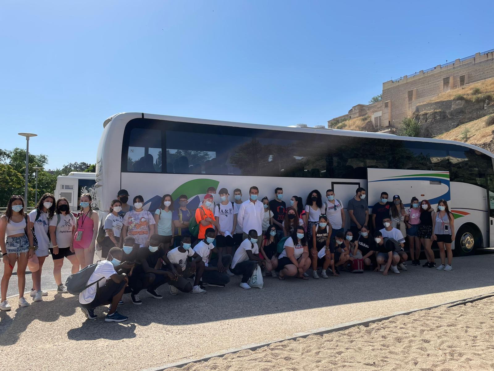 """Comienzan las actividades para jóvenes de Toledo Alterna con un concierto a la luz de las velas y la excursión a """"la Warner"""""""
