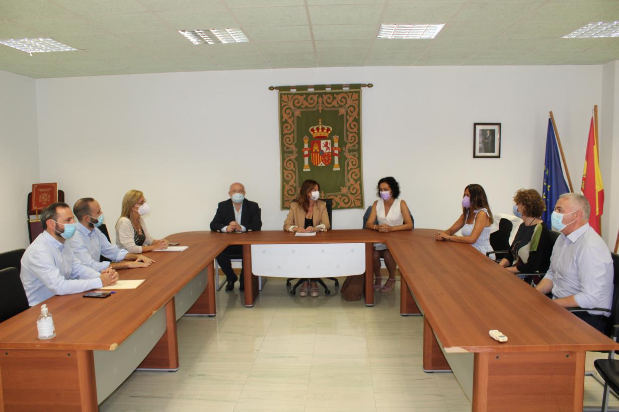 El Gobierno de Castilla-La Mancha destaca el 75 por ciento de población diana inmunizada y la reducción a la mitad de la incidencia entre jóvenes