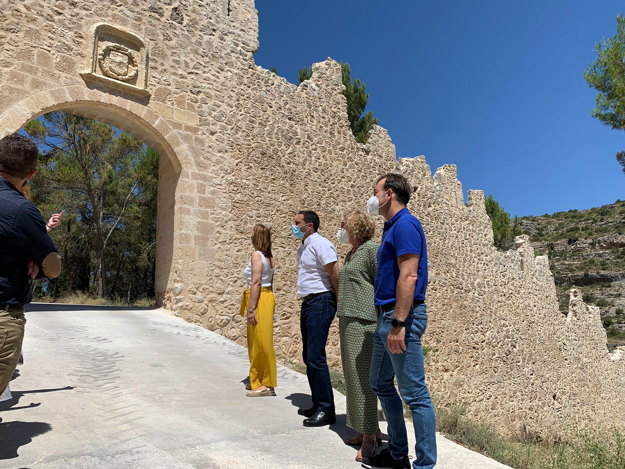 La Diputación de Cuenca lleva a cabo la rehabilitación de la muralla de Alarcón en las puertas del Bodegón y del Pilar
