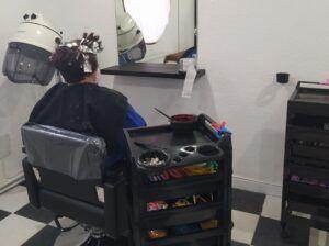 Los centros de mayores del Polígono y Santa Bárbara retoman el servicio de peluquería y se preparan ya para un nuevo curso