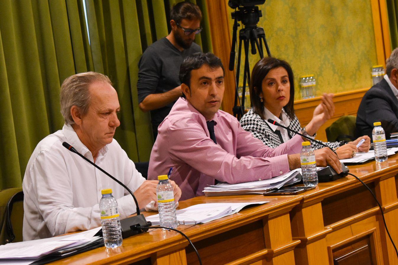 El Grupo Municipal Popular acusa a Dolz de incumplir su palabra y dejación de obligaciones como alcalde frente al botellón