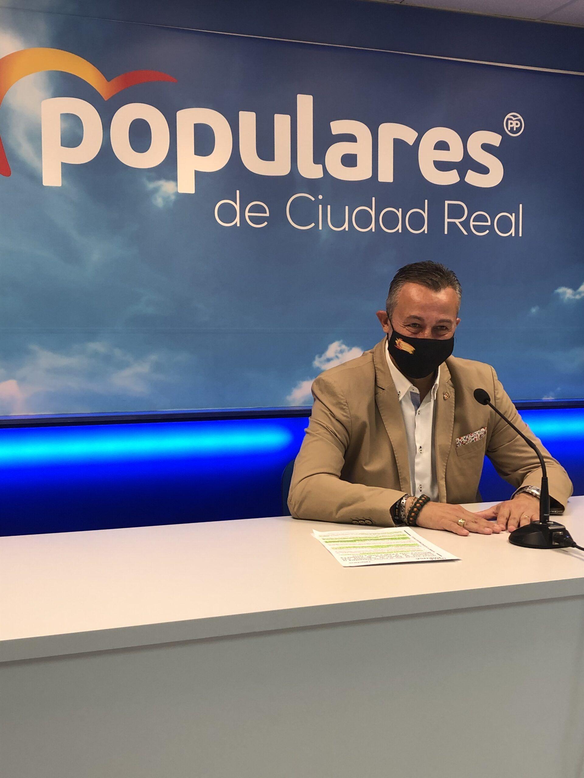 Fernández denuncia que frente a un Page que cada vez sangra más con impuestos a los castellano-manchegos, Núñez propone una bajada de impuestos histórica en la región