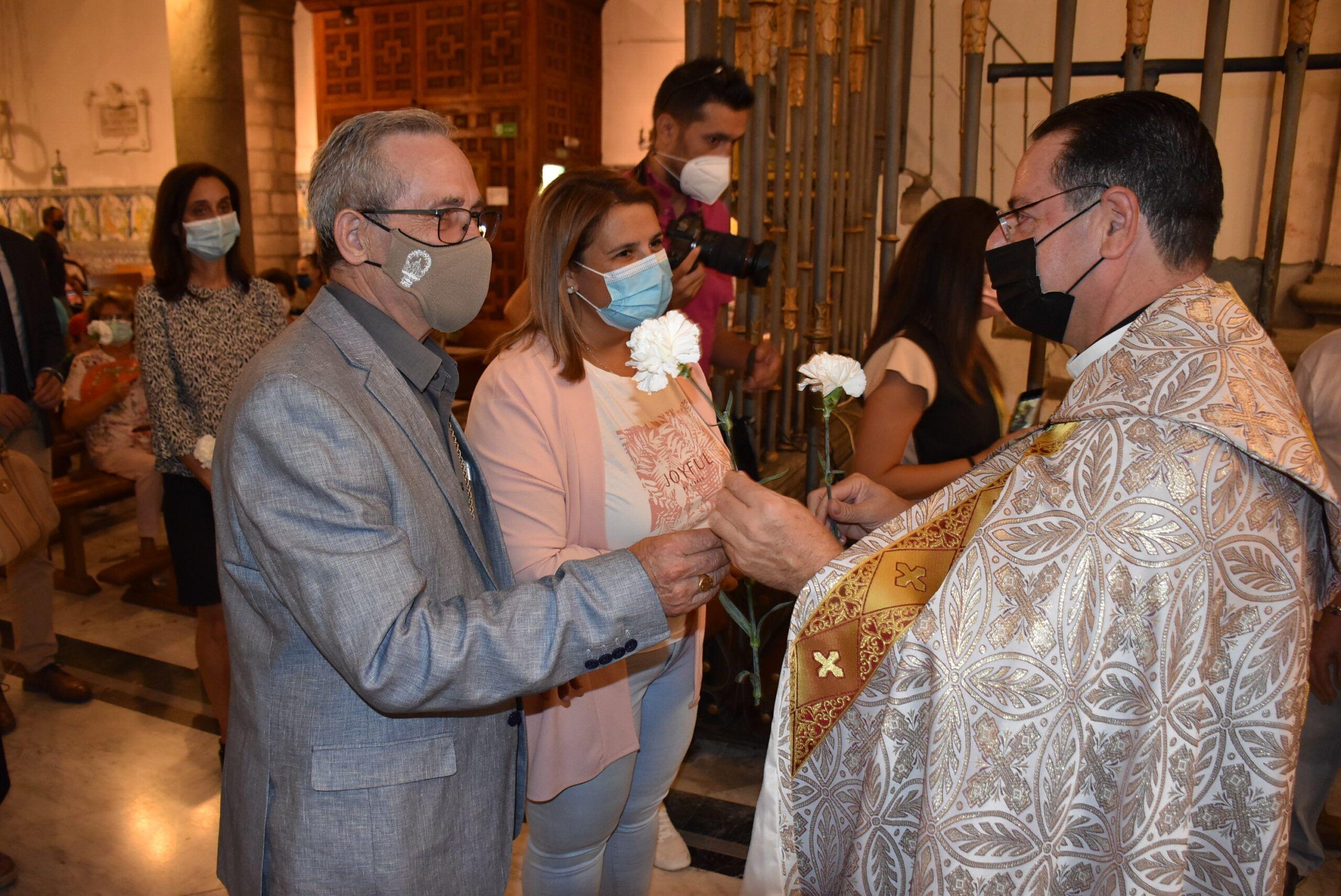La alcaldesa participa en la ofrenda floral a la Patrona Perpetua de Talavera de la Reina