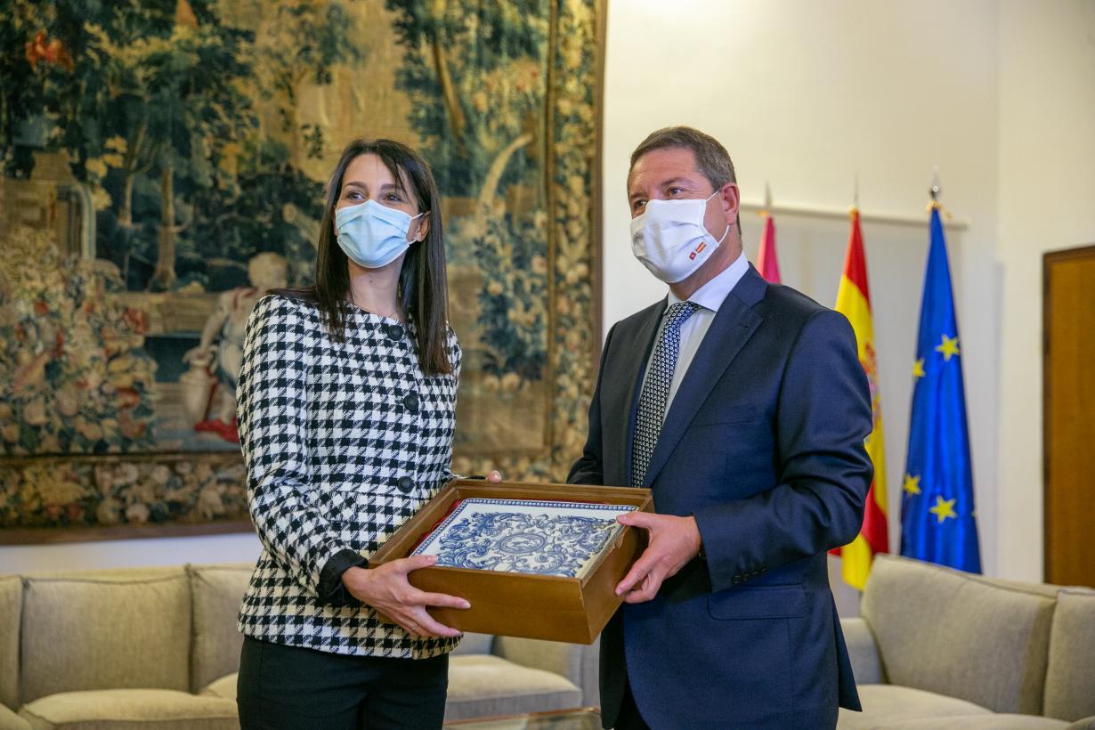Castilla-La Mancha propondrá en el Consejo Interterritorial de Sanidad que se administre la tercera dosis de la vacuna a las personas mayores que viven en centros sociosanitarios
