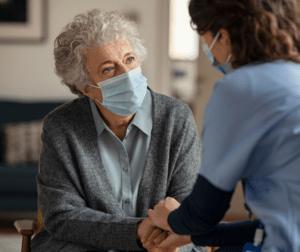 El Gobierno regional flexibiliza las visitas a residencias de personas mayores en la nueva resolución de medidas preventivas contra la Covid-19 en centros residenciales