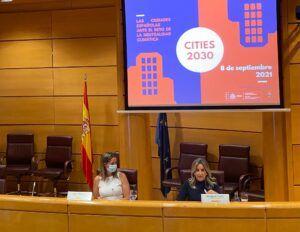 Tolón aboga por la concienciación ciudadana y por modelos urbanísticos sostenibles frente al cambio climático