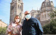 Tolón recibe al director de cine Álex de la Iglesia quien busca en Toledo localizaciones para su nueva producción